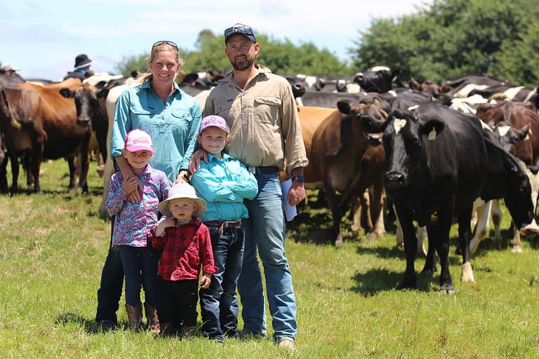 The Jennings' find success on the family farm by feeding their cows well and applying fertiliser
